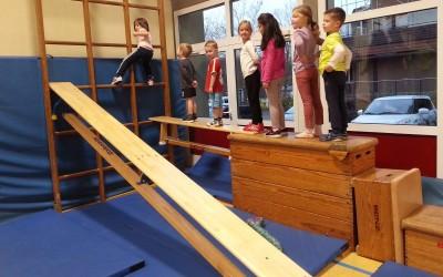 Kiga-Kids und Eltern+Kind Turnen findet ab jetzt dienstags in Adolph-Diesterweg-Schule in Gladenbach Weidenhausen statt